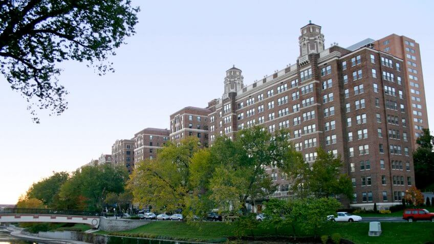 11825, Apartments, BUILDING, Building-Type, Cities, Here's What an Average Apartment Costs in 50 US Cities, House, Kansas City Missouri, States, US, USA, america