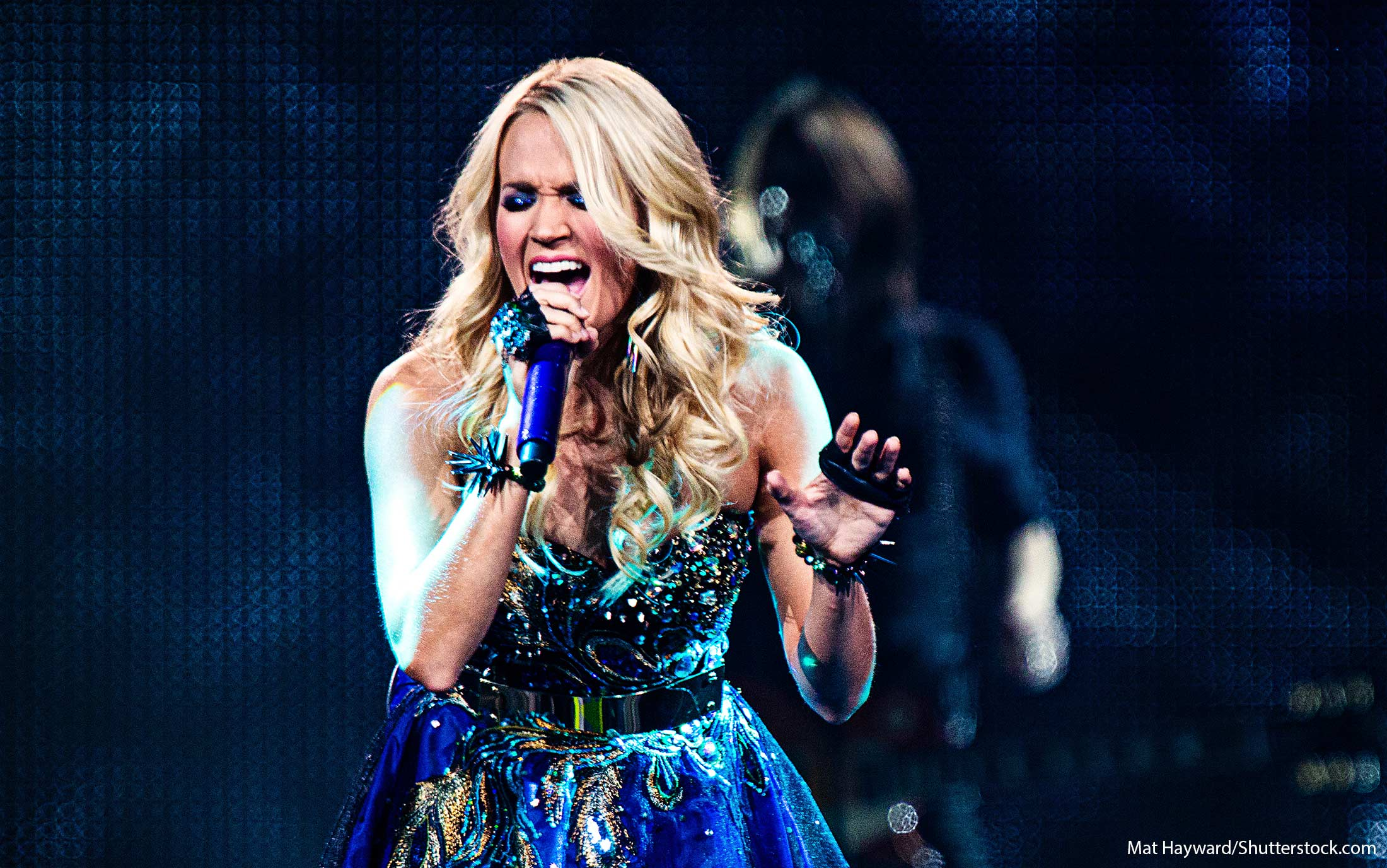 CMT Music Awards 2016, Carrie Underwood