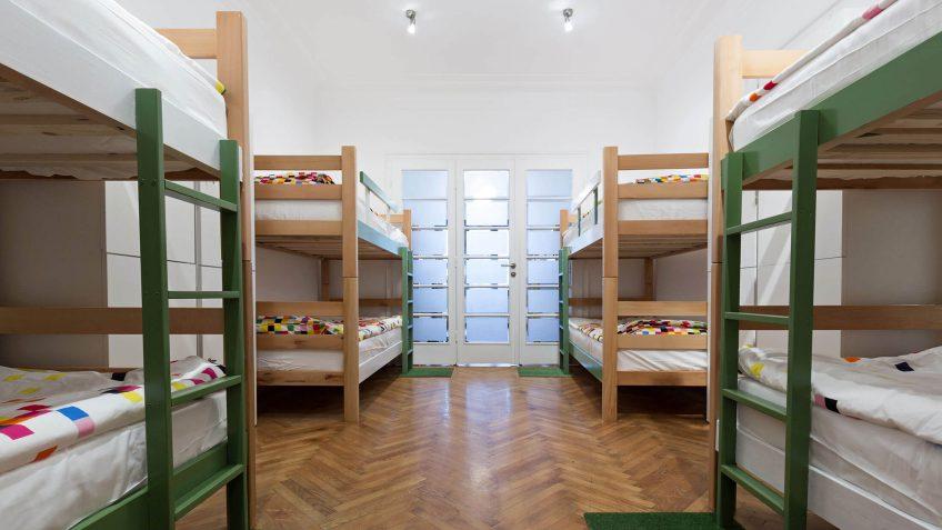 hostel bedding