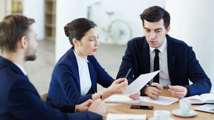 business-coworkers-critique