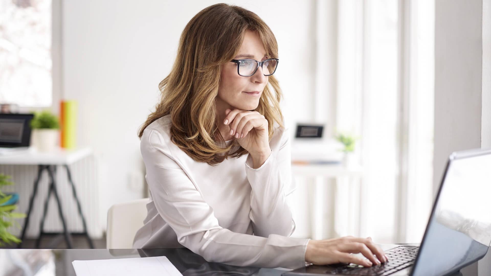 woman buying bonds online