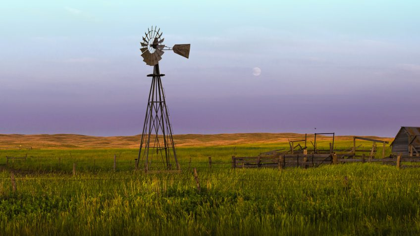 Nebraska paying off debt