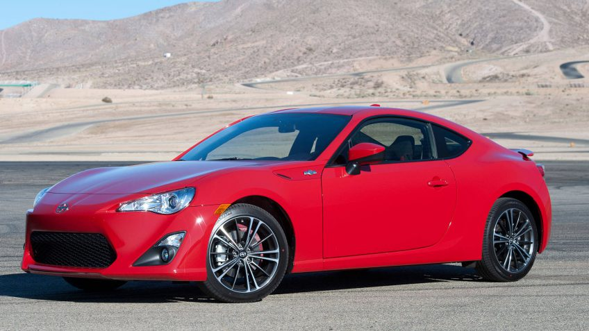 10 sports cars with the best gas mileage gobankingrates sciox Gallery