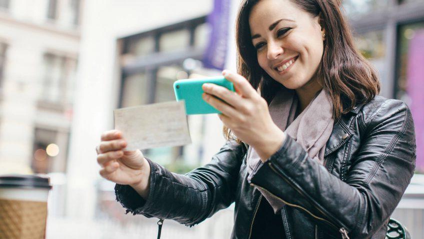 woman desposits checks
