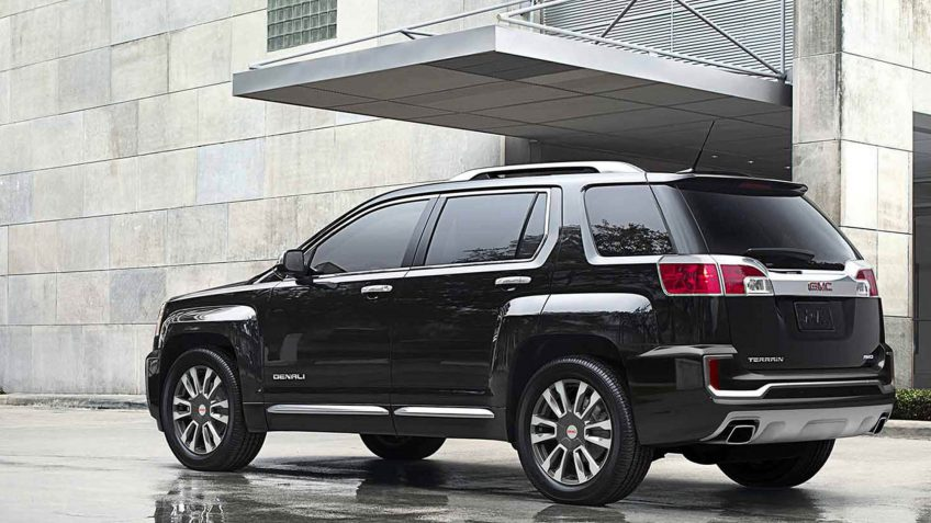 20 suvs with the best gas mileage gobankingrates. Black Bedroom Furniture Sets. Home Design Ideas