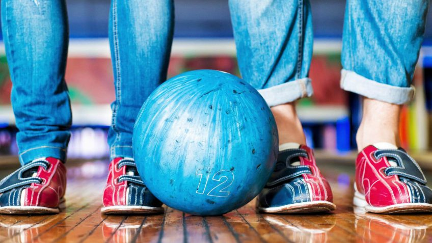 How to Bowl for Free on National Bowling Day 2016