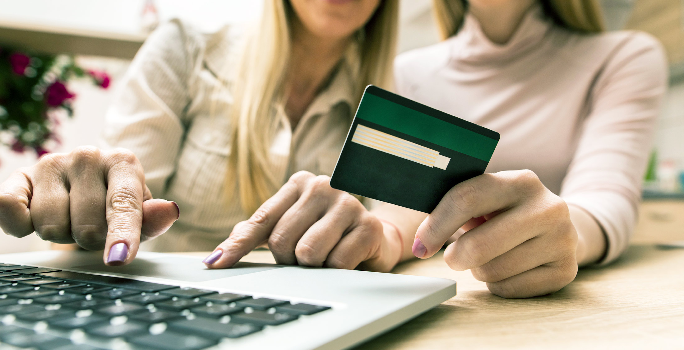 Why American Express and Discover Credit Cards Aren\'t Accepted ...