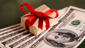 6 Tips for Shopping for a Holiday Loan