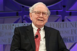 6 Warren Buffett Investments That Are Shaking Up 2016