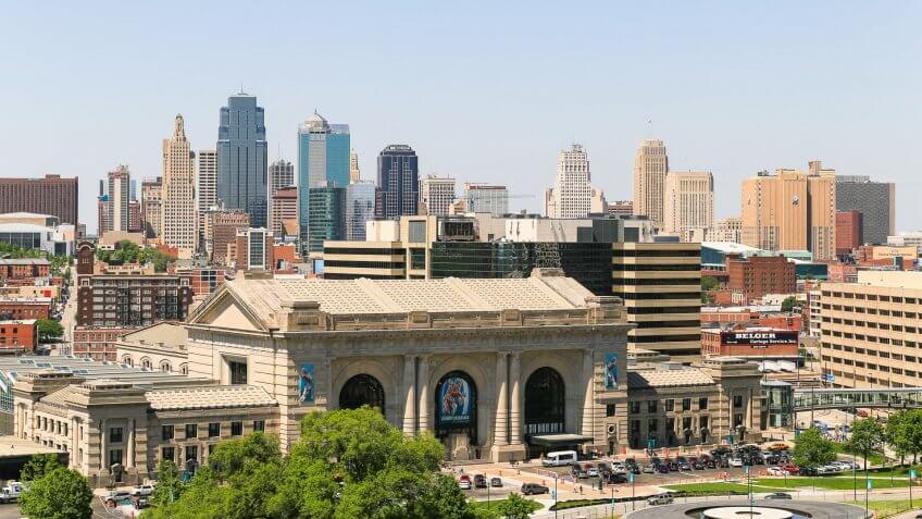 Kansas City Missouri day skyliine