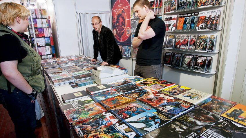 patrons browsing comic books