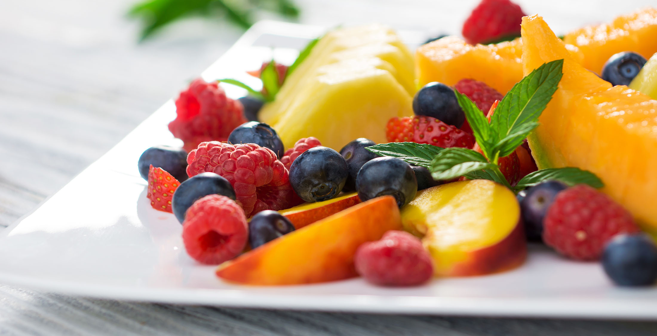plate fresh fruit salad