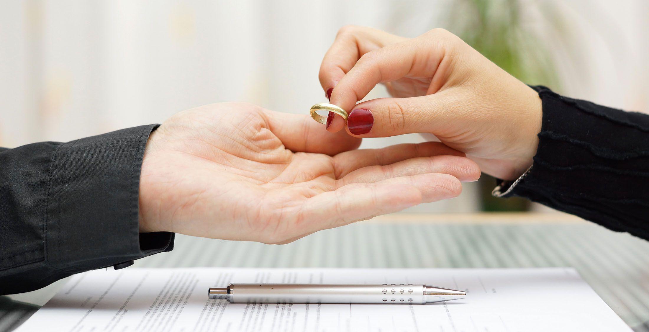 woman returning wedding/engagement ring