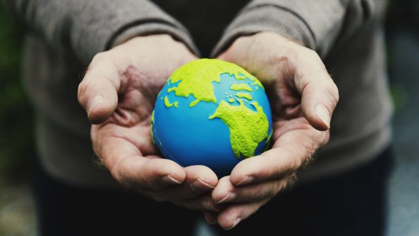 5 Reasons Why You Should Choose Socially Responsible Investments