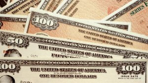 How to Buy Treasury Bonds for Investment