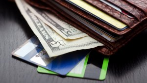 Cash vs. Credit Card: The Original Paper or Plastic Debate