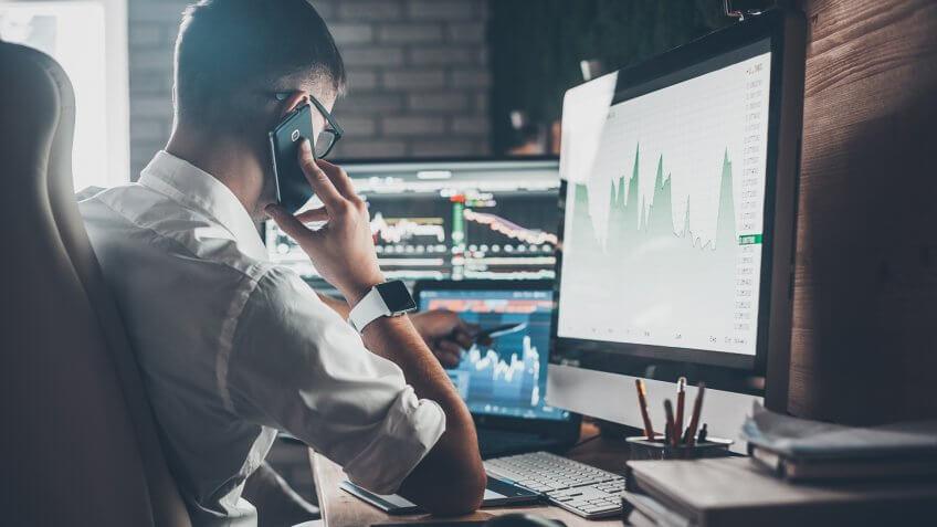 The 10 Best Stocks for Beginners for Under $100