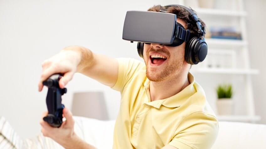 Man playing a Unity game