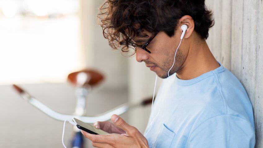 listening-podcast