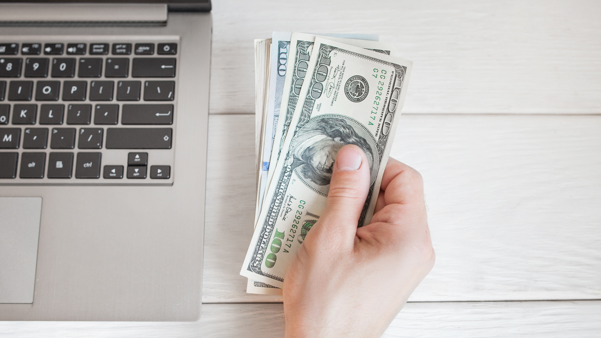 12 Free Ways to Send Money to Family and Friends | GOBankingRates