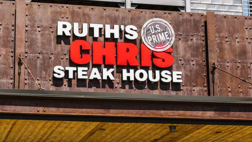 Indianapolis - Circa August 2017: Ruth's Chris Steak House Restaurant.