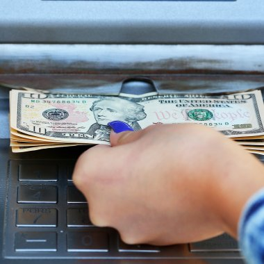 Why a Third of Americans Treat Checking Accounts Like Payday Loans