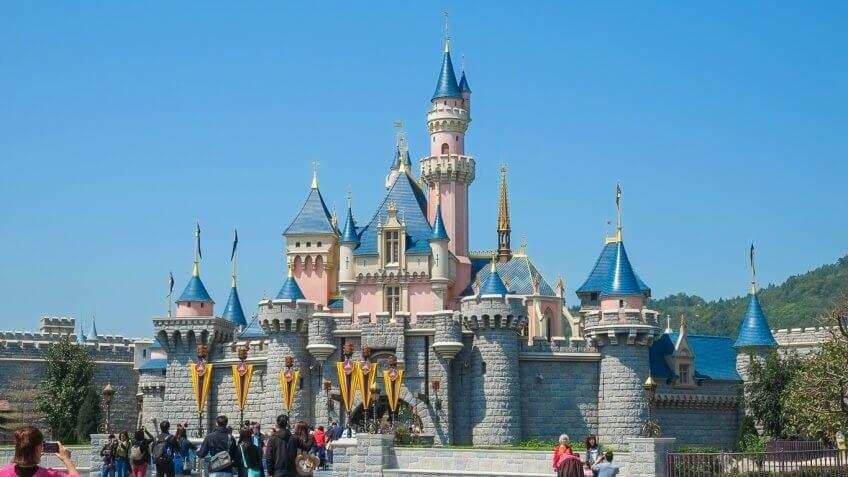 Theme Park Attractions That Are Totally Worth the Money