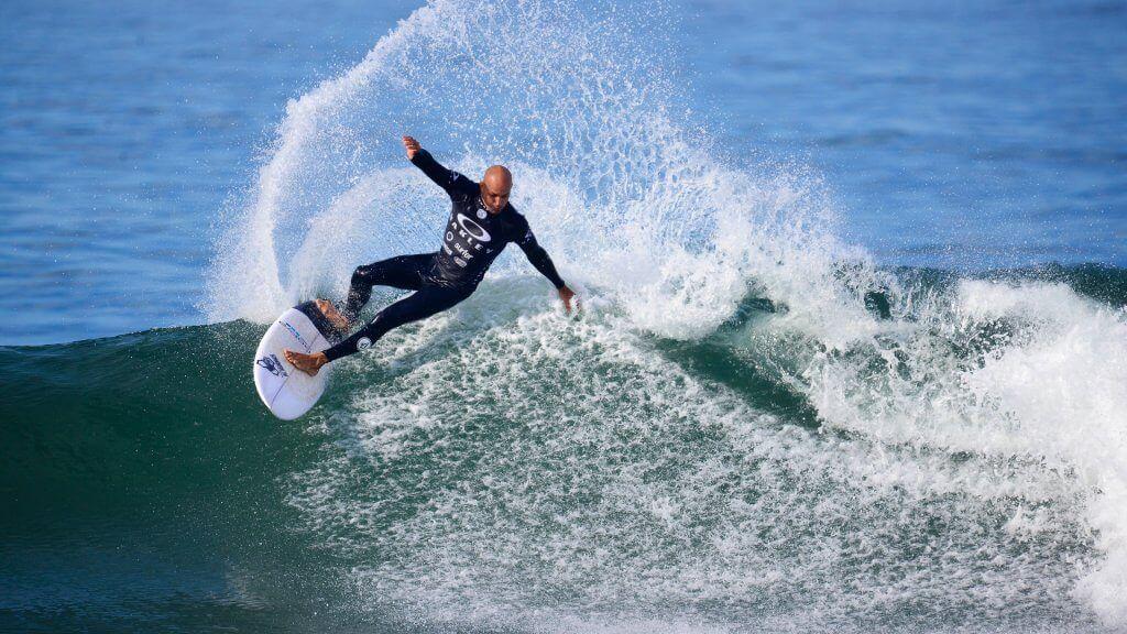 Kelly Slater surfing