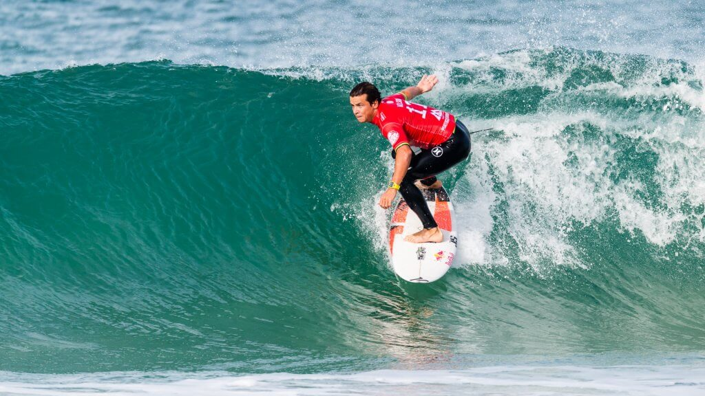 Julian Wilson surfing