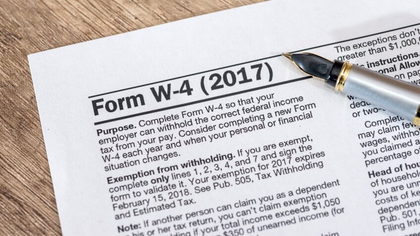 W-4 form 2017 closeup
