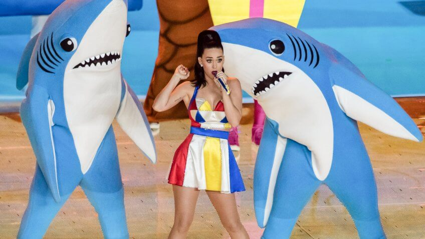Lady Gaga, Katy Perry and More: The Net Worths of Super Bowl's Richest Halftime Performers