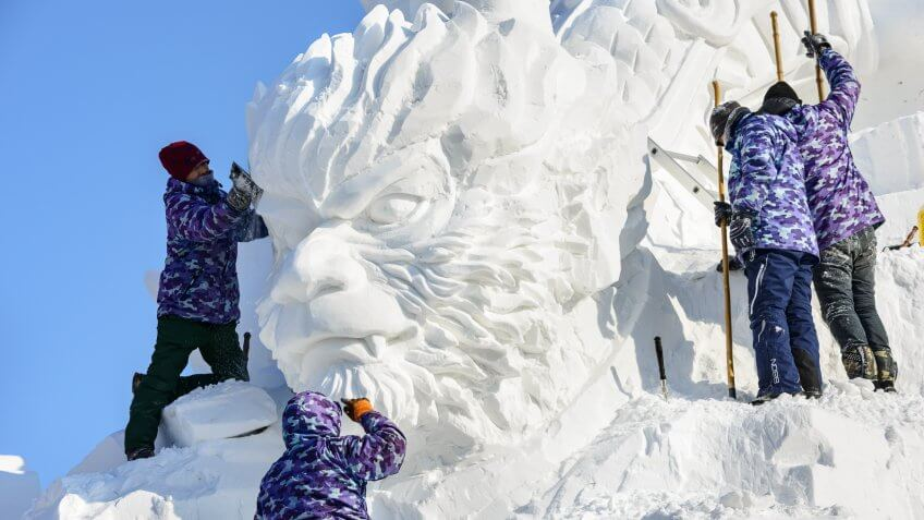 Build Snow Sculptures