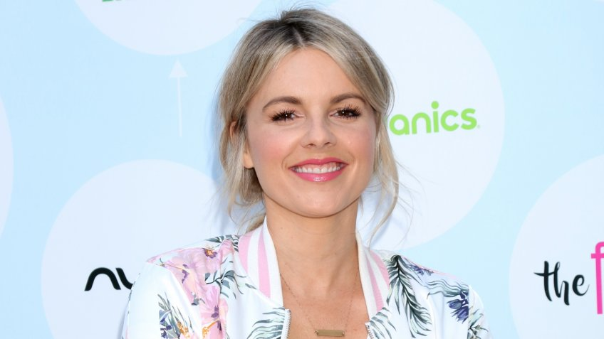 LOS ANGELES - SEP 23: Ali Fedotowsky at the 6th Annual Red CARpet Safety Awareness Event at the Sony Pictures Studio on September 23, 2017 in Culver City, CA.