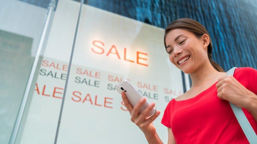 Sale, smartphone, woman
