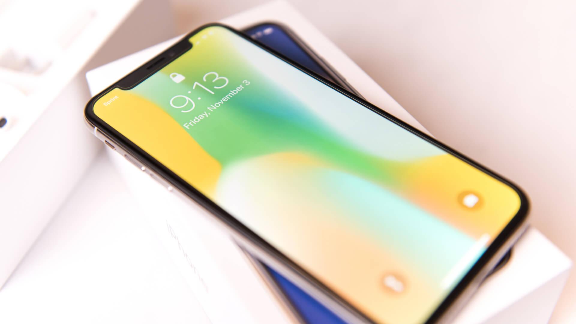 Apple-iPhone-X-smartphone