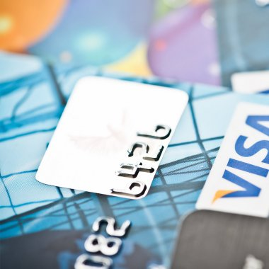 cash vs credit cards essay Which is better, cash or credit learn about the pros and cons of cash and credit cards with this in depth breakdown of each payment method.