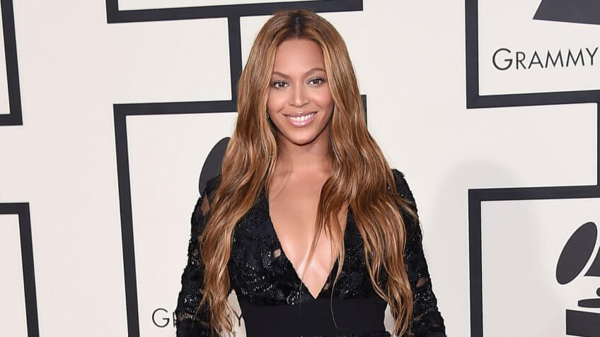 LOS ANGELES - FEB 08: Beyonce arrives to the Grammy Awards 2015 on February 8, 2015 in Los Angeles, CA.
