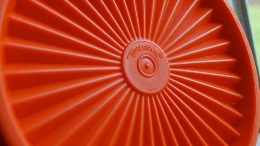 orange Tupperware lid