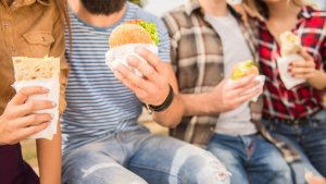 8 Cheap Fast Food Menu Items That Are Under 400 Calories