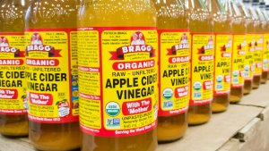 Thrifty Uses for Apple Cider Vinegar That'll Save You Money