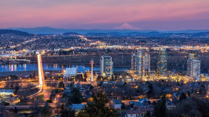 Portland Oregon skyline at dusk
