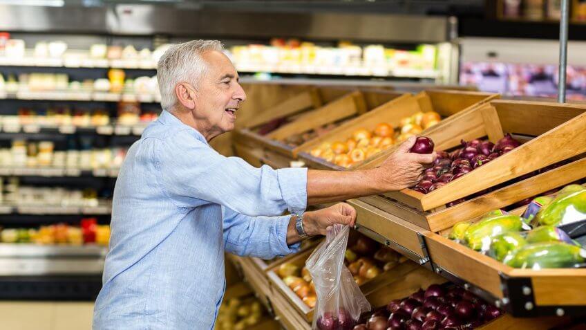 grocery-shopping-senior