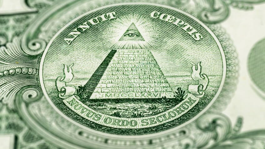 The Latin around the pyramid speaks to American exceptionalism
