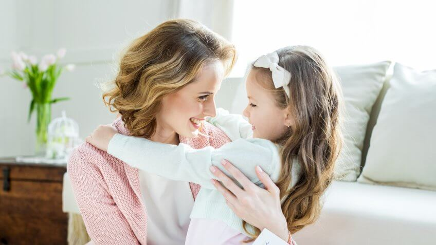 0-Main-MothersDay-LightField-Studios-shutterstock_579114373