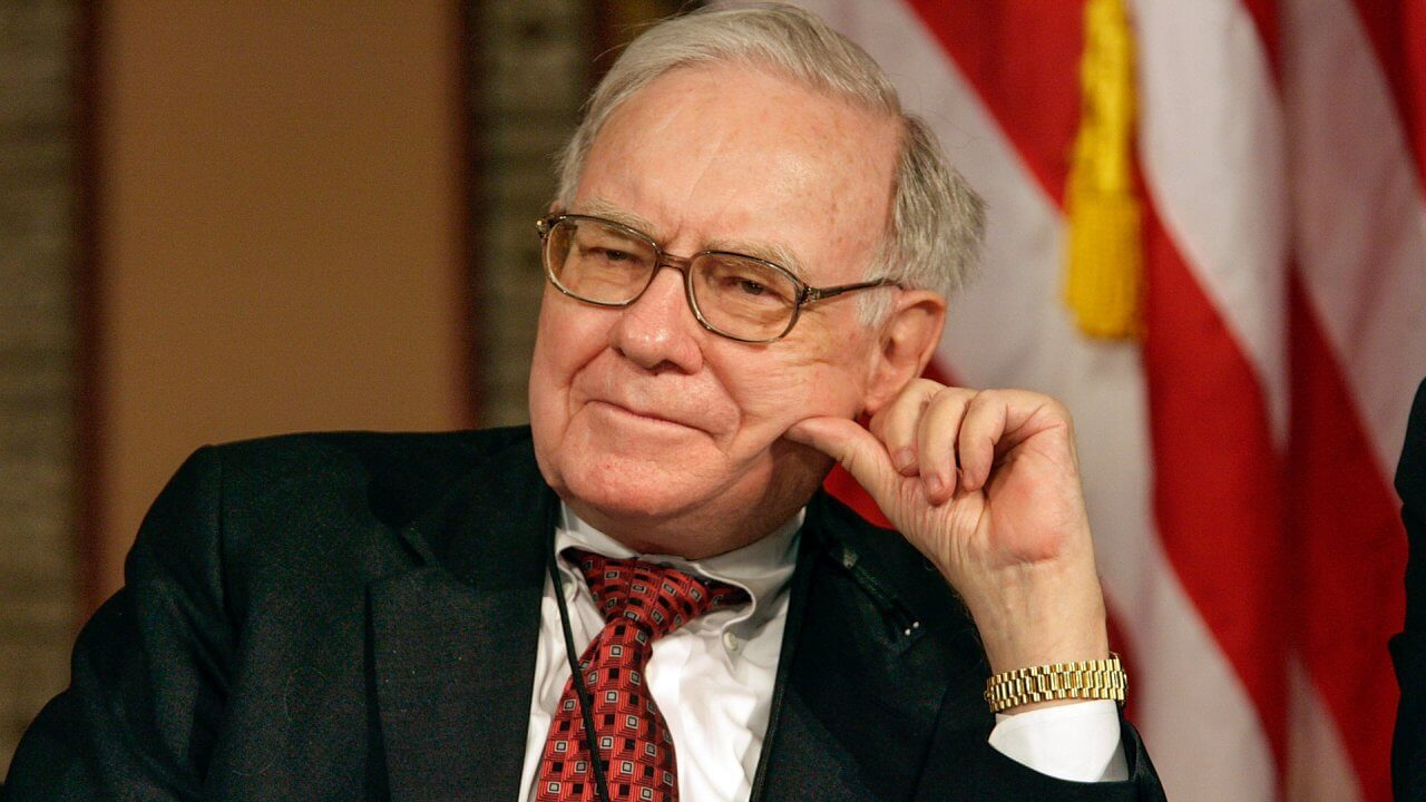 Warren Buffett Net Worth: Billions Lost After the Dow Plunges Over 800 Points