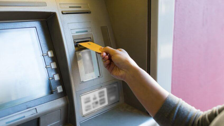 How to Withdraw Cash From Synchrony Bank