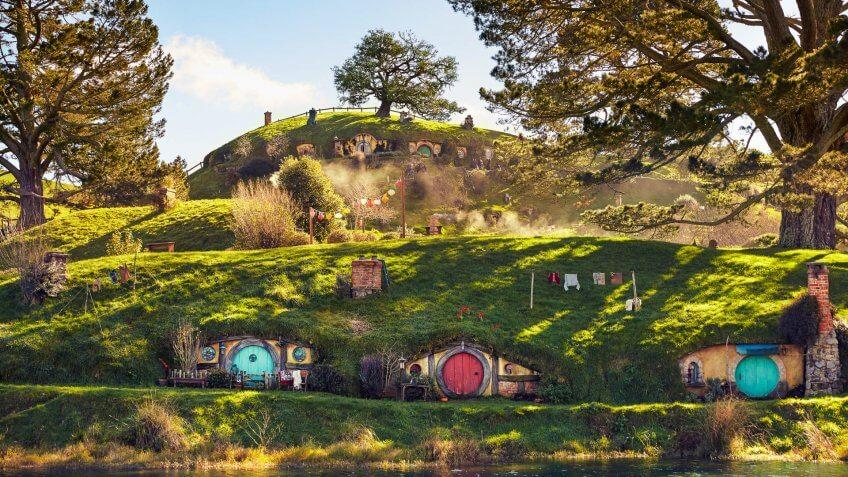 Hobbiton and Rotorua Te Puia