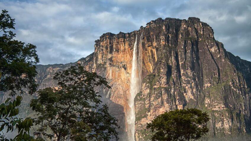 Kerepakupai Merú (Angel Falls)