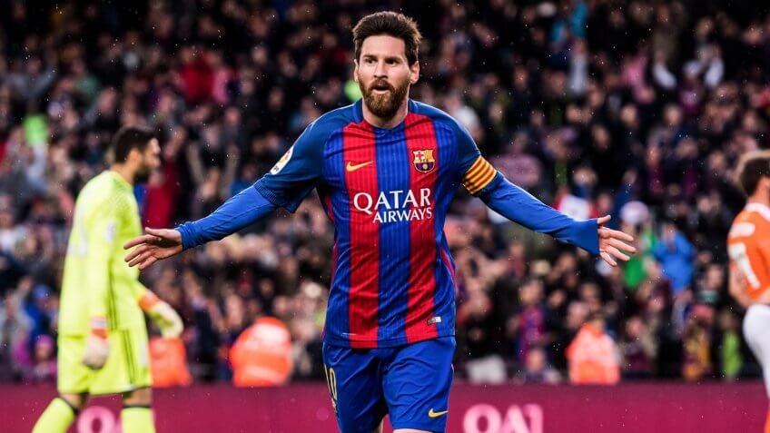 BARCELONA, SPAIN - APRIL 26:  Lionel Messi of FC Barcelona celebrates after scoring the opening goal during the La Liga match between FC Barcelona and CA Osasuna at Camp Nou stadium on April 26, 2017 in Barcelona, Spain.