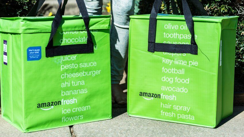11059, Big, Closeup, Horizontal, amazon, amazonfresh, bags, delivery, fresh, front, green, grocery, healthy, home, insulated, mergers, online, outside, person, prime, produce, totes, two, up, woman, words